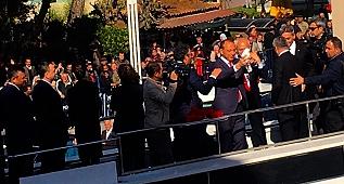 Kılıçdaroğlu, Turgutlu Belediye Adayı Akın'la birlikte barış güvercini uçurdu