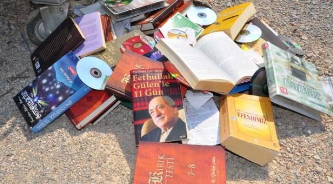 Gülen'in kitapları çöpte