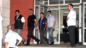 Turgutlu'da 8 polis tutuklandı