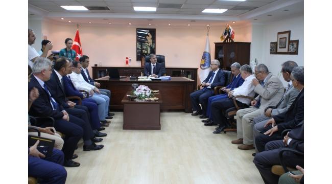 Vali Güvençer Turgutlu Belediyesi'ni ziyaret etti