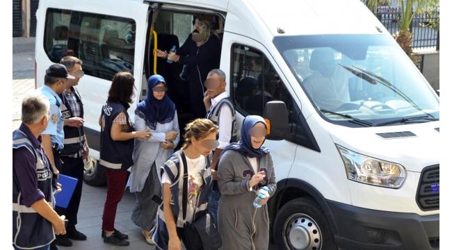 Turgutlu'da FETÖ'den 4 kişi tutuklandı, 3'ü kadın 5 kişi adliyeye sevk edildi