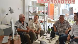 Usta gazeteci Talipoğlu, Yankı gazetesini ziyaret etti