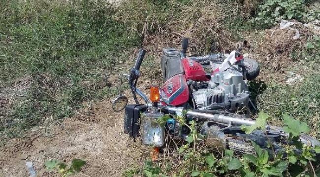 Otomobil motosikletle çarpıştı: 3 yaralı