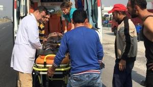 Kavşakta minibüsün çarptığı motosikletli öldü