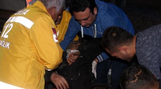 İşçileri taşıyan minibüs devrildi: 1 ölü, 14 yaralı