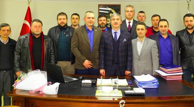 Başkan Şirin, MHP İlçe Başkanı Sayar ve yönetim kurulunu makamında ağırladı