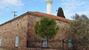 Kutsal bir yapıdan alınan taşlar başka bir kutsal yapıya taşınmış