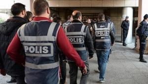 Gözaltına alınan 10 eski öğretmen serbest bırakıldı