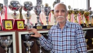 Parkinson hastası Karagöz,şampiyonlar yetiştirerek hayata bağlandı