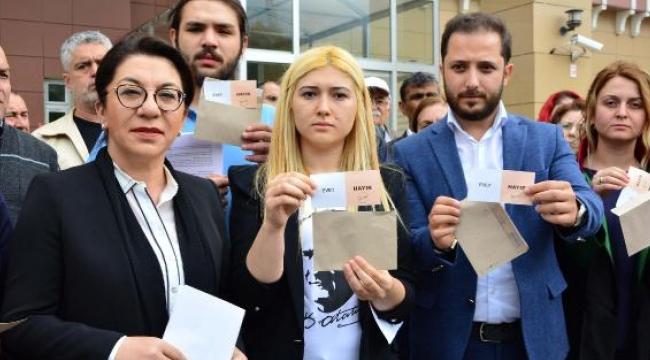 CHP'lilerden mühürsüz oy pusulası eylemi
