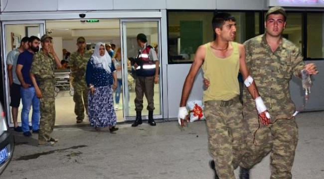 Manisa'da 400 asker, zehirlenme şüphesiyle hastaneye kaldırıldı