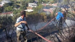 1 hektarlık orman yandı