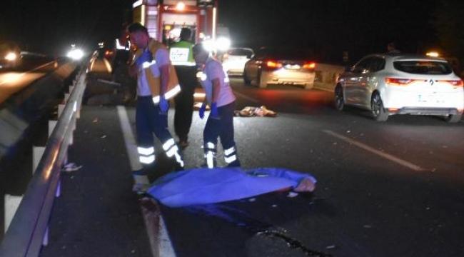 TIR'a arkadan çarpan otomobilde 2 ölü, 1 yaralı