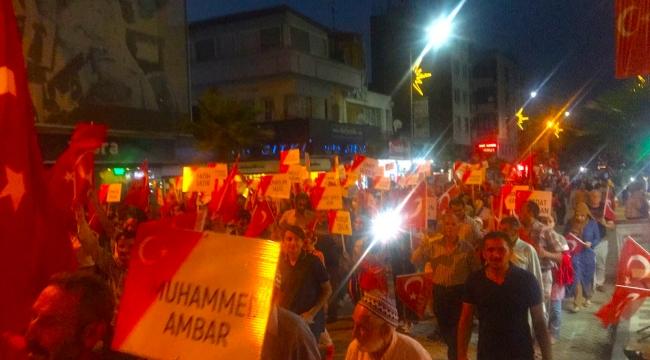 Turgutlu FETÖ'ye karşı meydanlarda (VİDEO)
