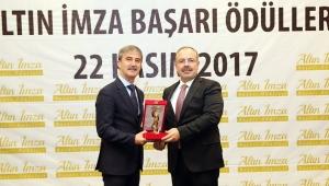 Başkan Turgay Şirin'e 'Altın İmza Başarı Ödülü'