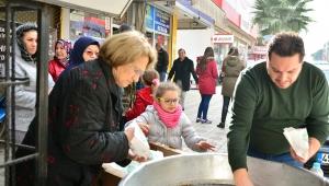 Merhum Prof. Dr. Ahmet Nuri Yüksel için kardeşi ve yeğeni lokma hayrı yaptı