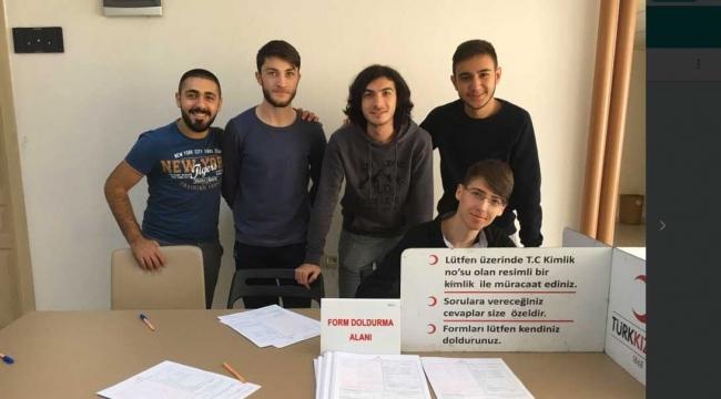Üniversiteli öğrencilerden kan bağışı