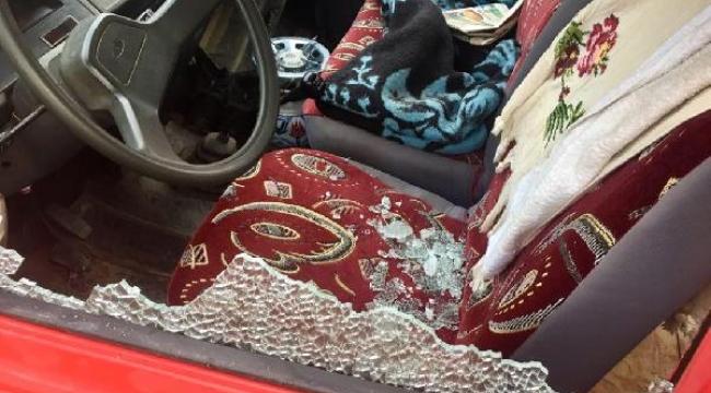 Minibüsün camını kırıp, 75 litre zeytinyağı çaldılar