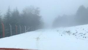 Turgutlu'ya mevsimin ilk karı yağdı