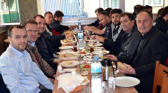Hasanağa Gurme Kahvaltı'dan Turgutluspor'a moral kahvaltısı