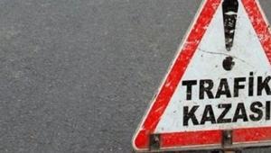 Sıkışan sürücü ve yolcuyu Turgutlu İtfaiyesi kurtardı