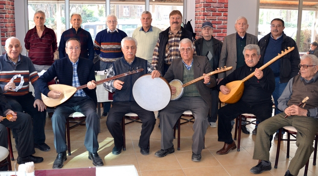 Turgutlu'da emekli öğretmenlerin Türk Halk Müziği sevgisi