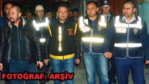 Turgutlu'da operasyon: 7 kişi yakalandı, 150 gr esrar ele geçirildi