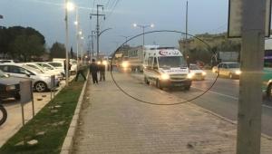 Otomobil yolun karşına geçmeye çalışan ,çocuklara çarptı: Biri anne 5 çocuk yaralı