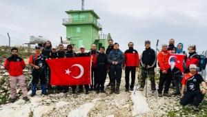 Zirve dağcıları Çanakkale şehitlerini 1370 metrelik zirvede andı