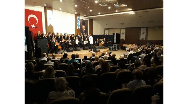Seramiksan Klasik Türk Müziği Korosunun konseri beğeni topladı
