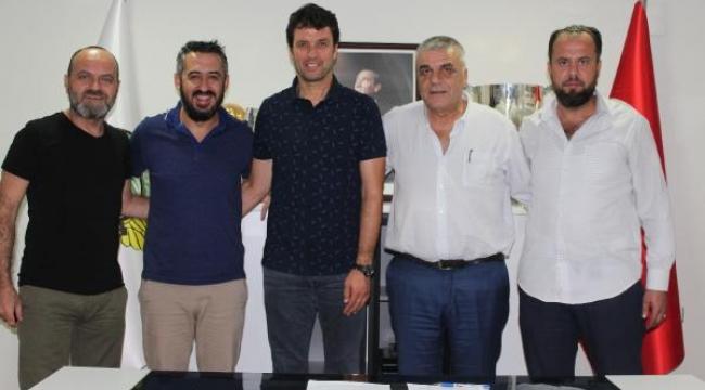 Akhisarspor'da Cihat Arslan imzayı attı