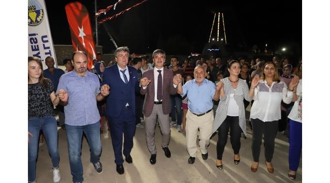 Arnavutlar kültür gecesiyle coştu