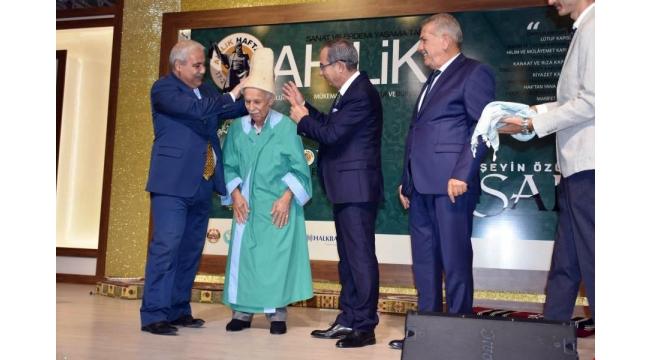 Manisa'da yılın ahisi 87 yaşındaki Ethem Karakaş