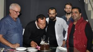 Gamalı Köftecisi Şevki Atman'a doğum günü sürprizi