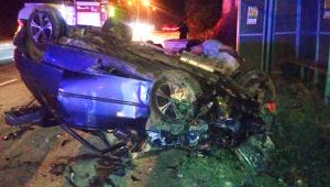Otomobil ile Kamyonet Çarpıştı; 8 Kişi Yaralandı