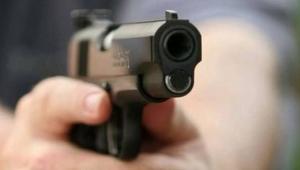 Silahlı kavgada ağır yaralandı
