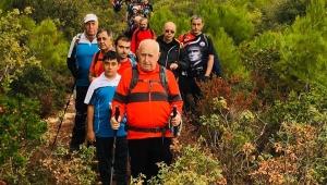 Zirve dağcılarından Çilek Vadisinde doyumsuz yürüyüş