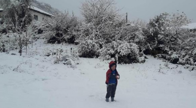 Kırsal mahalleler karla kaplandı
