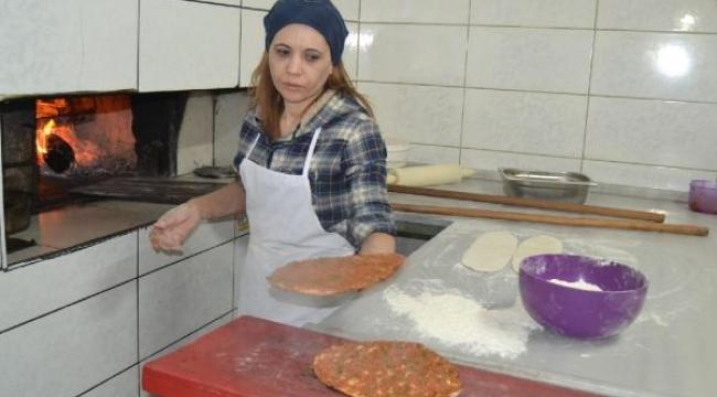 Kadın işletmeci, usta bulamayınca pide fırının başına geçti