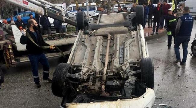 2 otomobilin çarpıştığı kaza kamerada