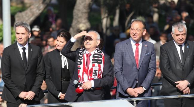Kılıçdaroğlu Turgutlu'da: Boğazımızdan haram lokma inmedikçe kimseden korkmayız