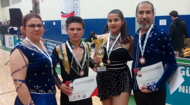 Dans sevdalısı berberin kızının Türkiye 3'üncülüğü gururu