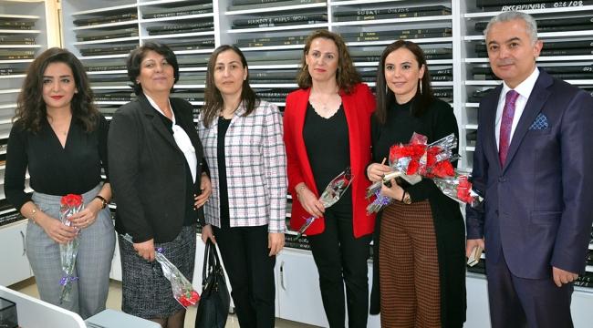 Kaymakam Turan, eşinin ve çalışan kadınların, gününü kutladı