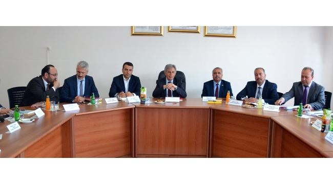 Manisa'nın 17 milli eğitim müdürü Turgutlu'da toplandı