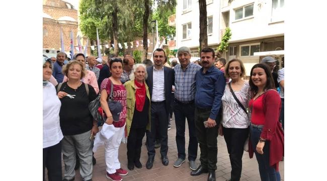 CHP'li Vekil Manisa'da işçilerle harmandalı oynayıp, halay çekti