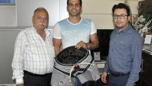 Esnaf Kefalet Başkanı Coşkun'dan Turgutlulu güreşçiye destek