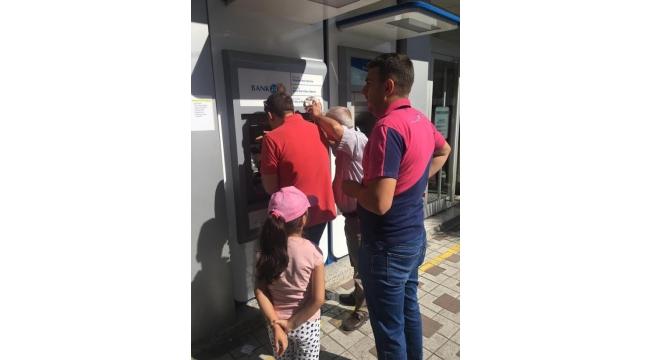 ATM'lerde, işlem yapmak adeta eziyet haline geldi
