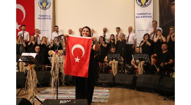 Belediye Halk Müziği Korosu sezonu muhteşem konserle noktaladı