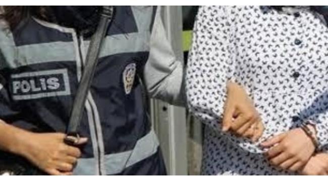 FETÖ firarisi kadın, jandarmanın yol kontrolünde yakalandı