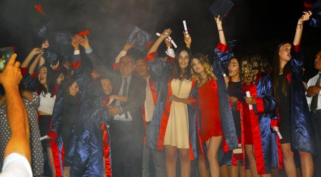 Özel Hatem Okulları 3'üncü dönem mezunlarını verdi